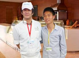 杭州杜仁杰实战烘焙培训学校创始人杜仁杰老师跟日本师傅